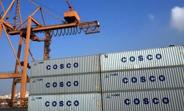 Μπλοκάρει η επένδυση 580 εκατ. ευρώ της Cosco στον Πειραιά