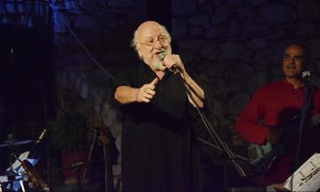 """Σαββόπουλος: """"Θυμίζει αρκουδιάρη"""", Πολάκης: """"Το μόνο κοινό με τα νιάτα σου, είναι το ντέφι"""""""