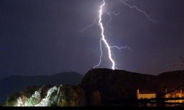 Χωρίς ρεύμα περιοχές της Αθήνας λόγω της «Ωκεανίς»