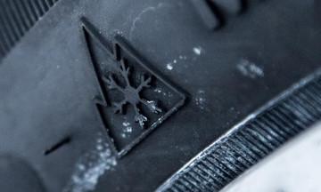 Πόση διαφορά κάνουν τελικά τα χειμερινά ελαστικά; (vid)