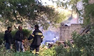 Ένας νεκρός από πυρκαγιά σε μονοκατοικία στην Αρτέμιδα (pics-vid)
