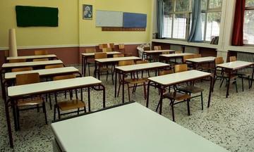 Στις 9 αντί για 8:15 θα ξεκινάνε τα μαθήματά τους οι μαθητές από τη νέα σχολική χρονιά