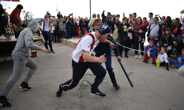 Προκλητικοί Κροάτες, αναπαράσταση καρναβάλι, της επίθεσης στους πολίστες του  Αστέρα (pics & vids)