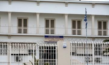 «Σφαγή» στον Κορυδαλλό: Ένας νεκρός και οκτώ τραυματίες σε συμπλοκή κρατουμένων