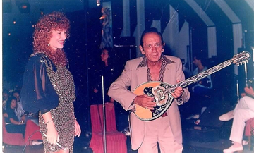 Έφη Κοντού: Η τελευταία μούσα του Γιώργου Ζαμπέτα επιστρέφει με ακυκλοφόρητο τραγούδι του! (vid)