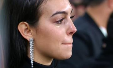 Έτσι έζησαν τη βραδιά του Κριστιάνο η Τζορτζίνα και ο γιος του - Έβαλαν τα κλάματα (vid-pics)