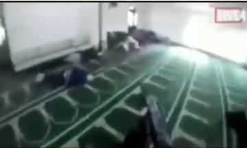 Ο μακελάρης μέσα στο τέμενος, σκότωνε τους πάντες