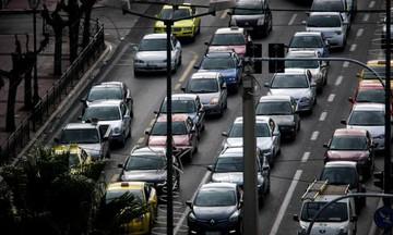 Κίνηση: Κυκλοφοριακό «χάος» - Μποτιλιάρισμα 23 χιλιομέτρων στον Κηφισό