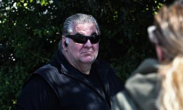 Ελληνικό: Ο ταξιτζής πέταξε έξω την τραυματισμένη γυναίκα - «Ήταν μέσα στα αίματα» (vid)