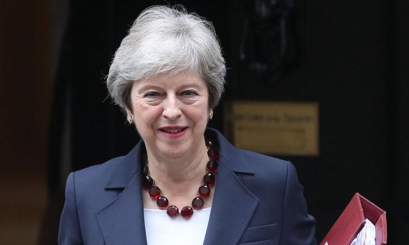 Sunday Times: «Εξώθηση της Μέι σε παραίτηση μεθοδεύουν 11 Βρετανοί υπουργοί»