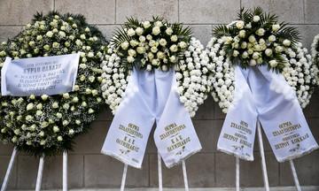 Στεφάνια από Σπανούλη και Αγγελόπουλους για τον Θανάση Γιαννακόπουλο (pics)