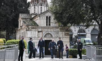 O πρωθυπουργός και ο Πρόεδρος της Δημοκρατίας στην κηδεία του Θανάση Γιαννακόπουλου (pics)