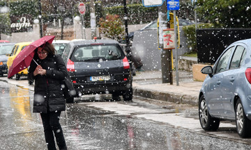 Κακοκαιρία με βροχές και καταιγίδες το επόμενο διήμερο