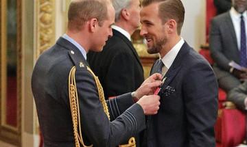 Αγγλία: Τιμήθηκε από τον Πρίγκιπα Ουίλιαμς ο Χάρι Κέιν (vid)