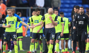 Premier League: Η Χάντερσφιλντ η πρώτη ομάδα που υποβιβάζεται