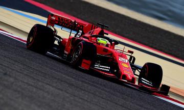 Ο Μικ Σουμάχερ οδήγησε το μονοθέσιο της Ferrari στο Μπαχρέιν (vid)