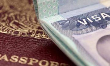 Βίζα διετούς ισχύος για Έλληνες που ταξιδεύουν στις ΗΠΑ