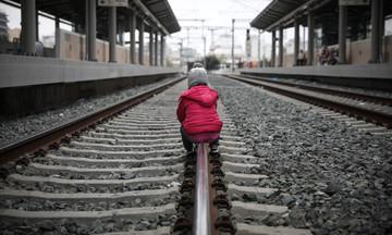 Σταθμός Λαρίσης: Αποχωρούν σταδιακά οι πρόσφυγες