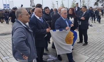 Οπαδοί του ΠΑΟΚ αποδοκίμασαν τον Ψωμιάδη στη συγκέντρωση για τη Μακεδονία