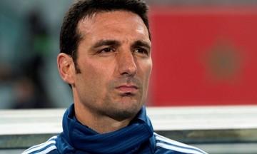 Aυτοκίνητο χτύπησε τον προπονητή της εθνικής Αργεντινής Upd (pic)