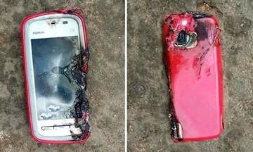 Τρόμος για 24χρονη στη Βέροια: Εξερράγη το κινητό στα χέρια της (vid)