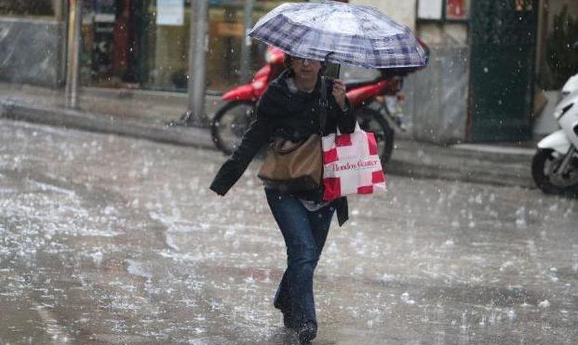 Συνεχίζεται η κακοκαιρία - Πού προβλέπονται καταιγίδες και χαλάζι