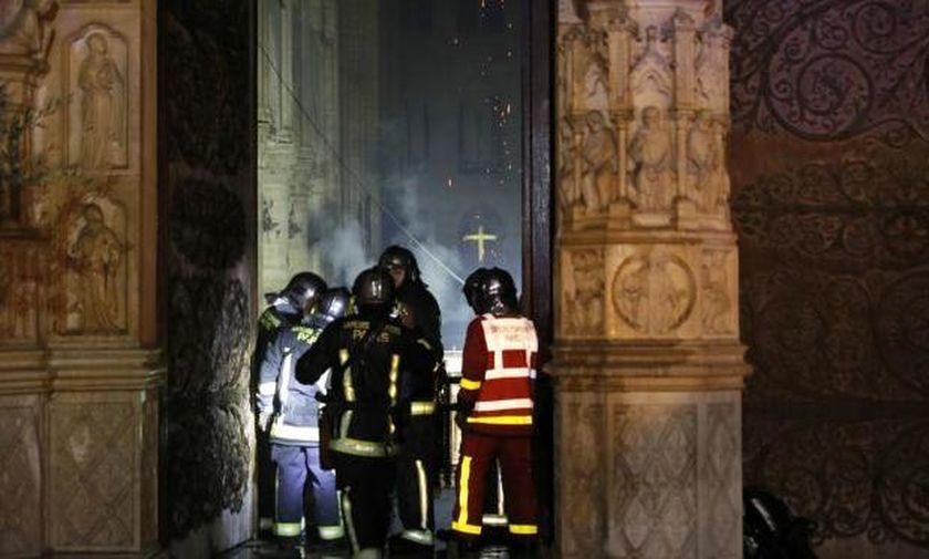 Φωτογραφίες από το εσωτερικό της Παναγιάς των Παρισίων - Κολοσσιαία η καταστροφή