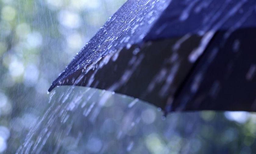 Συνεχίζεται και σήμερα η κακοκαιρία -Βροχές, χαλάζι και χιόνια στα ορεινά
