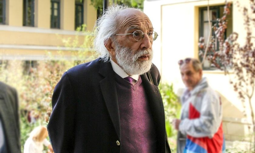 O Λυκουρέζος έκανε αγωγή στην υφυπουργό  Παπακώστα