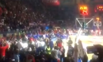 Χαμός στον τελικό της Αδριατικής Λίγκας- Πέταξαν τούβλο στους παίκτες της Μπούντουτσνοστ (vids)