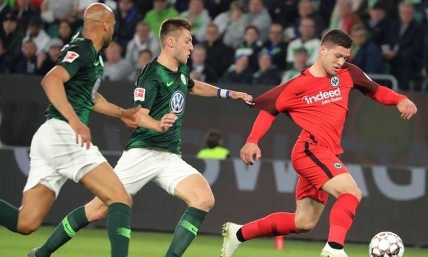 Bundesliga: Η Βόλφσμπουργκ «ξέρανε» την Άιντραχτ στο 90'! (highlights)