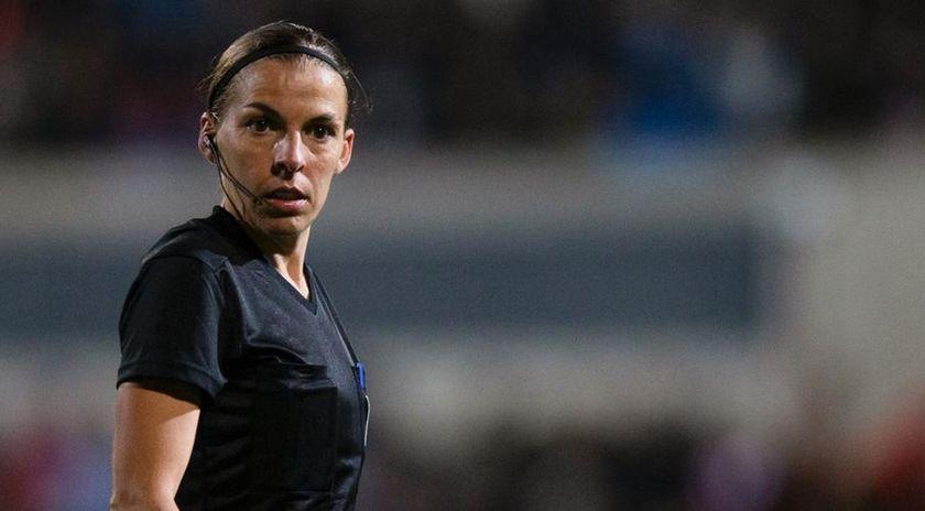 Γυναίκα διαιτητής σε ματς του Σαμπιονά!