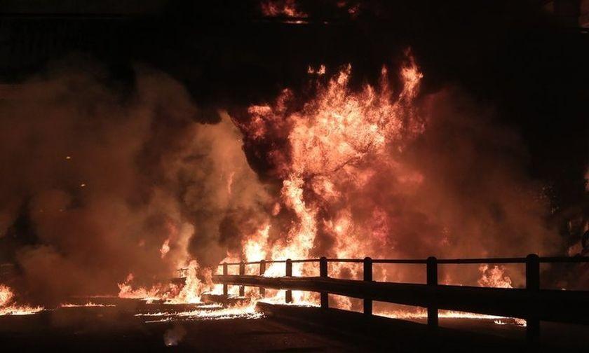 «Εκρηκτική» Ανάσταση στον Ν. Κόσμο -Το γιόρτασαν με μολότοφ (vid-pics)