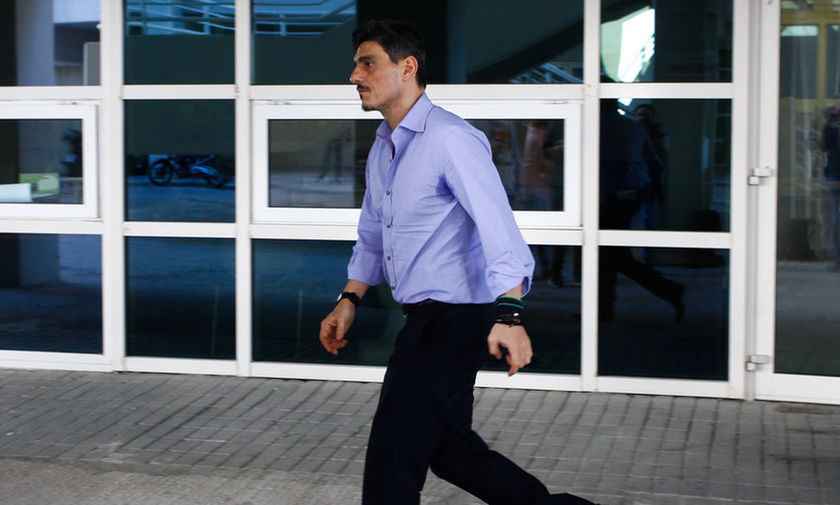Απειλεί τον Βασιλειάδη ο Γιαννακόπουλος, κάνοντας... διάδρομο!