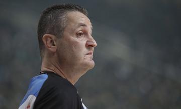 Μολότοφ κατά του διαιτητή Αναστόπουλου (vid)
