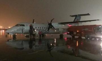 Πανικός στο Τορόντο - Αεροπλάνο συγκρούστηκε με βυτιοφόρο