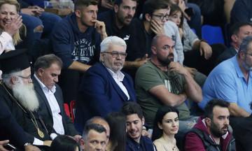 Καραμπέτσος: «Θα τα πούμε ξανά σύντομα στα γήπεδα»