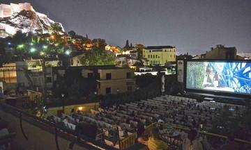 Με αγιόκλημα και γιασεμιά: Ανοίγουν τα θερινά σινεμά