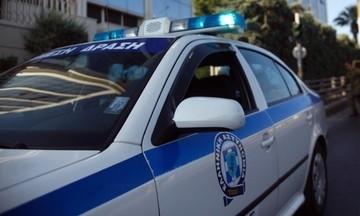 Επίθεση με μολότοφ στο ΑΤ Καισαριανής- Eμπρησμός αυτοκινήτου αστυνομικής συντάκτριας