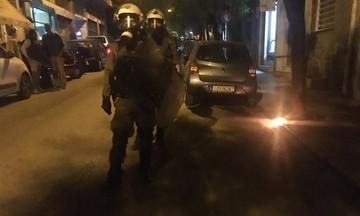 Χαμός έξω από τα γραφεία του ΠΑΣΟΚ στη Χαριλάου Τρικούπη!