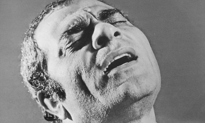 Καζαντζίδης, ο τραγουδιστής του πενήντα και μόνο...