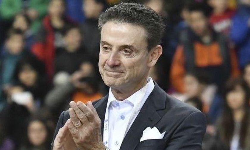 Πιτίνο: Παίρνω την ομάδα και πάμε στη Μύκονο, κερνάει ο Παπαδόπουλος
