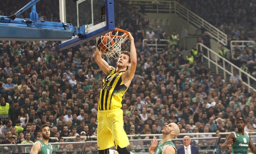 EuroLeague: MVP ο Βέσελι, στην καλύτερη πεντάδα Σλούκας και Καλάθης