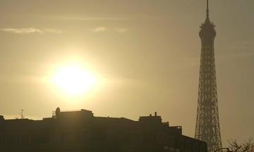 Upd: Πανικός στο Παρίσι-Εκκενώθηκε ο Πύργος του Άιφελ (vid)