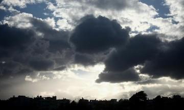 Καιρός: Συννεφιά, τοπικές βροχές και σποραδικές καταιγίδες