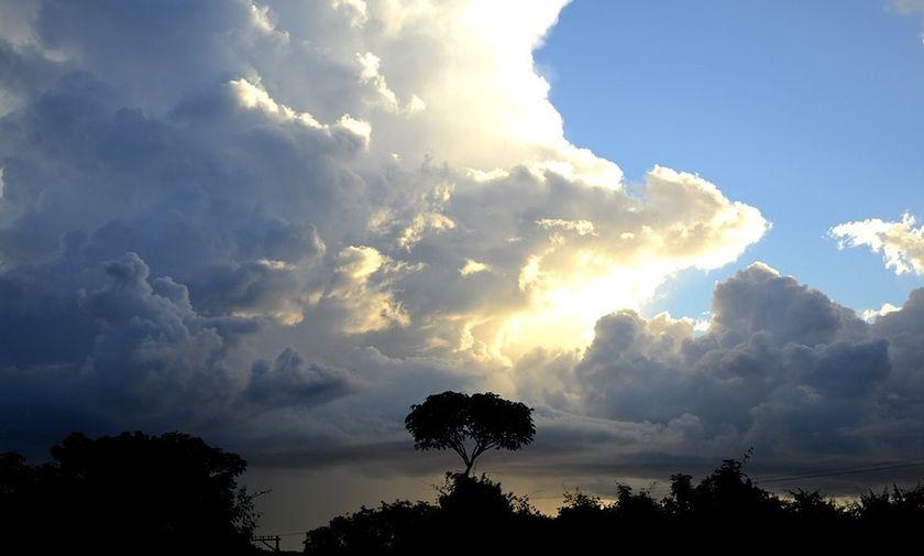 Ο καιρός σήμερα: Ήλιος και αφρικανική σκόνη