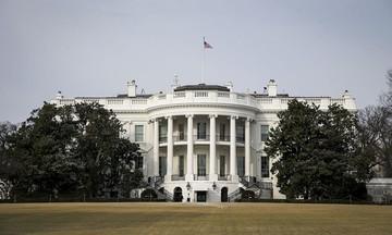 Άνδρας αυτοπυρπολήθηκε έξω από τον Λευκό Οίκο (vid)