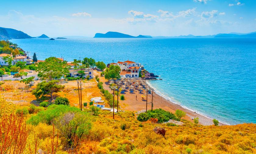 Ξετρελάθηκε το Forbes με ελληνική παραλία (pics)
