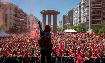 Κατακόκκινη η Μαδρίτη: Οι οπαδοί της Λίβερπουλ έχουν κατακλύσει κάθε γωνιά της πόλης (vid)