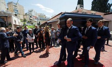 Πλήθος κόσμου στην κηδεία του Κώστα Ευρυπιώτη (pics)